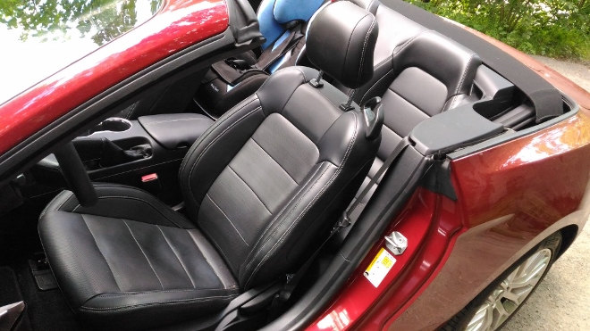 Ford Mustang Cabrio 5.0 GT Sitze