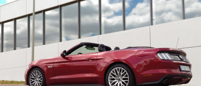 Ford Mustang Cabrio 5.0 GT Seite