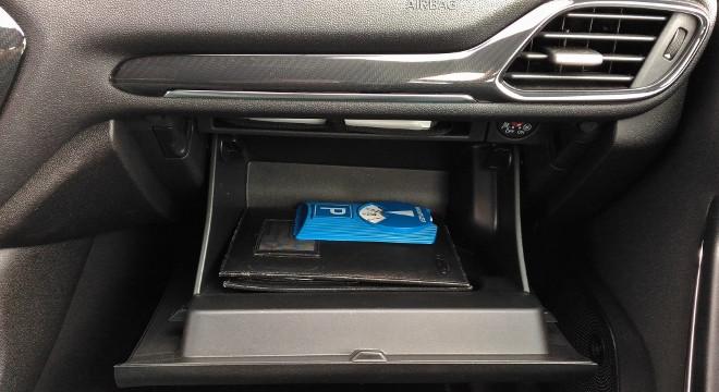 Ford Fiesta ST 3Zylinder Handschufach