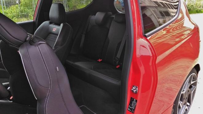 Ford Fiesta ST, Einstieg und Sitzbank hinten