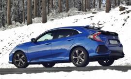 Honda Civic Hatch Seitenansicht blau