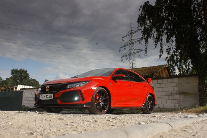 Honda Civic Type R 320 PS in Rot