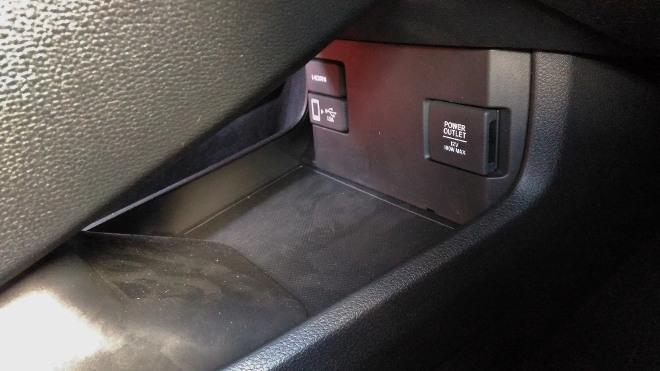 Honda Civic Type R 320 hp, Abnschluss 12 Volt und USB