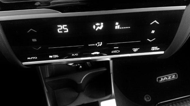 Honda Jazz Facelift Becherhalter und AC Konsole