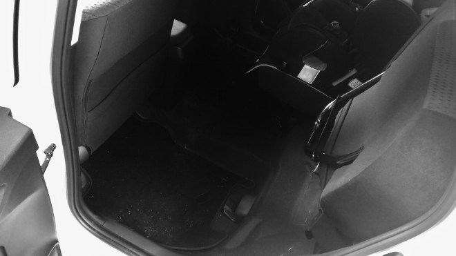 Honda Jazz Facelift klsppen der Sitzbank, freier Raum hinten, Sitzsystem