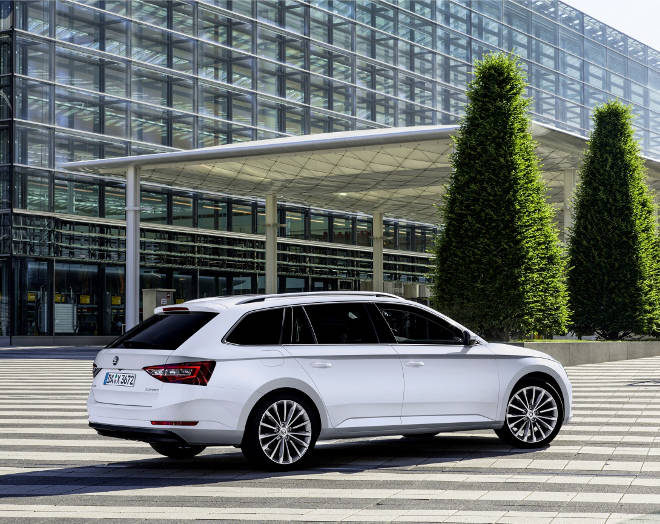 IAA 2015 Skoda Superb Combi