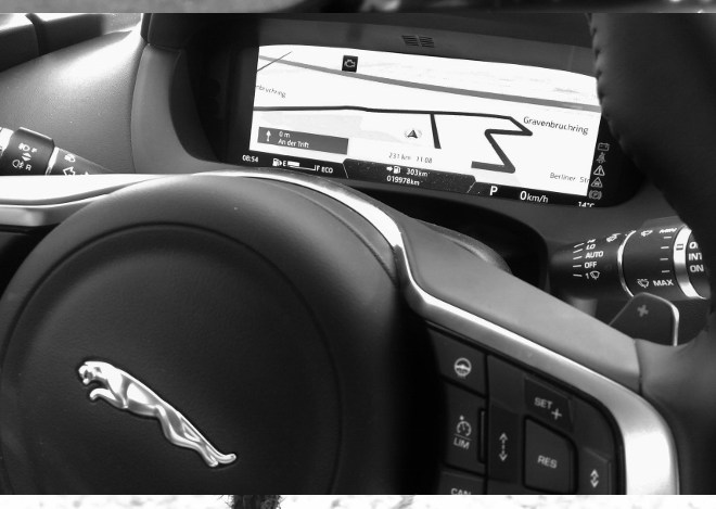 Jaguar F-Pace Interior Navigation