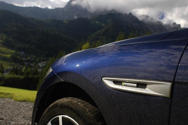 Jaguar F-Pace Innenraum Karosserie