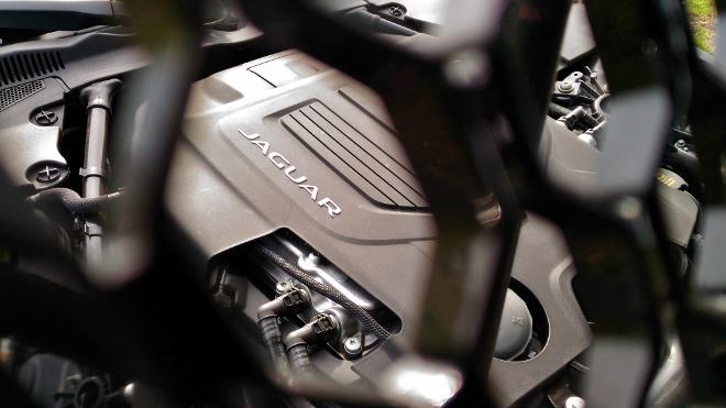 380 PS Sechszylinder F-Type Cabrio P380