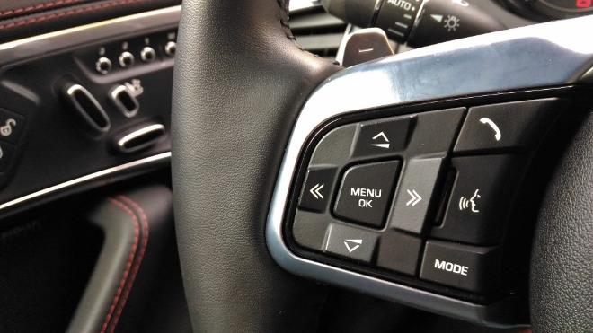 Lenkrad Tasten F-Type Cabrio Sprachsteuerung