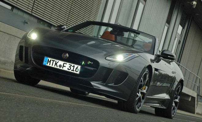 Jaguar F-Type Cabrio V8 AWD von vorne