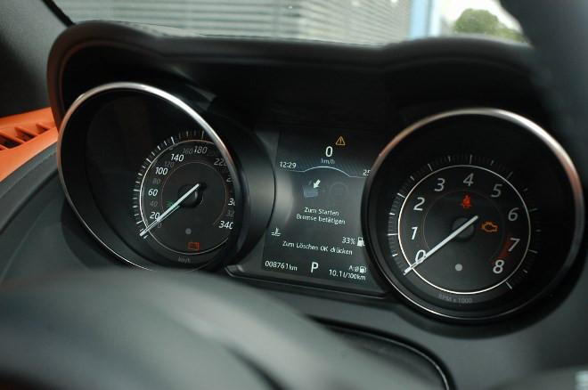 Jaguar F-Type Cabrio V8 AWD Instrumente
