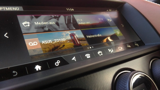 Jaguar F-Type Vierzylinder Monitor Touchscreen