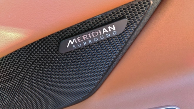 Jaguar XF Meridian Surround