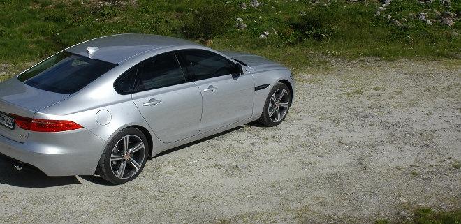 Jaguar XF Karosserie Seite