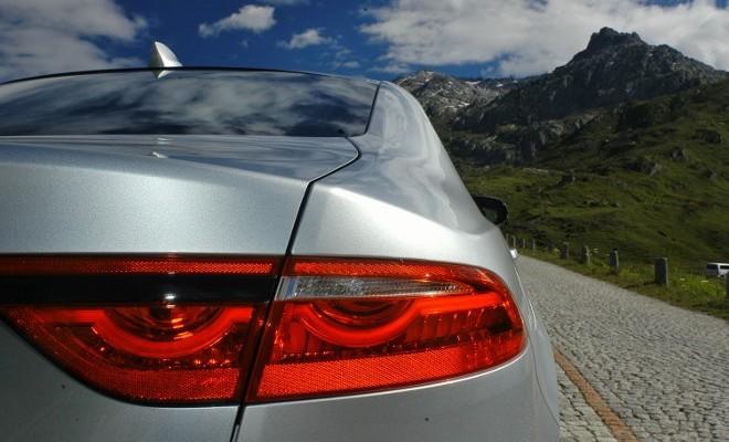 Jaguar XF Karosserie Heck