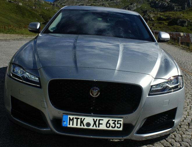 Jaguar XF Karosserie Front