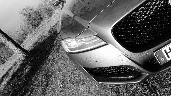 Jaguar XF Sportbrake 30d Grill