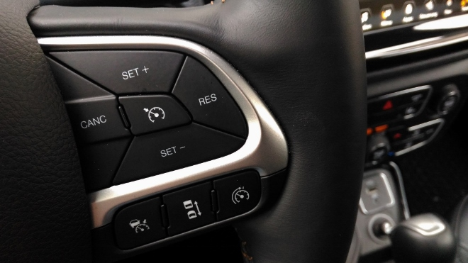 Jeep Compass 2 Tasten des Tempomat