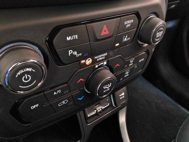 Jeep Renegade Facelift Klimaeinheit und Radioverstellung