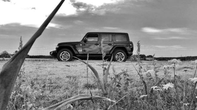 Jeep Wrangler Limited 4-door seite