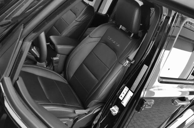 Jeep Wrangler Limited 4-door vorne sitzen