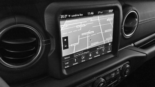 Jeep Wrangler Limited 4-door Touchscreen