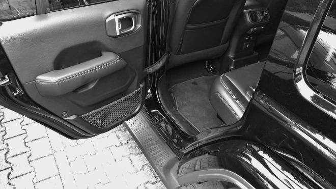 Jeep Wrangler Limited 4-door hinten sitzen