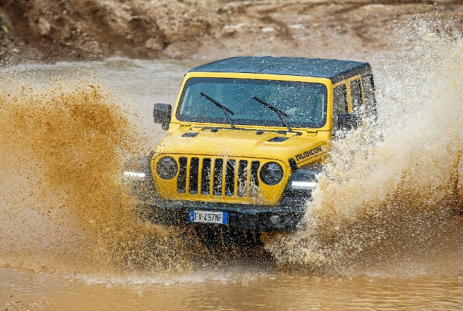 Jeep Wrangler Vierzylinder Benziner gelb