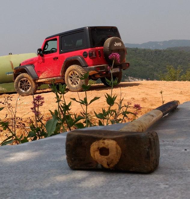 Jeep Wrangler 2.0 TGDi in rot