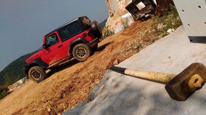 Jeep Wrangler 2.0 TGDi Vierzylinder Benziner
