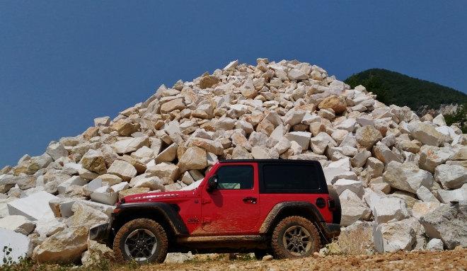Jeep Wrangler Vierzylinder Benziner Rubicon Seite
