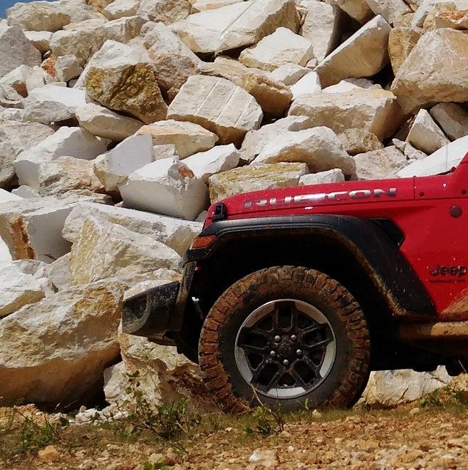 Jeep Wrangler Vierzylinder Benziner Rubicon rot