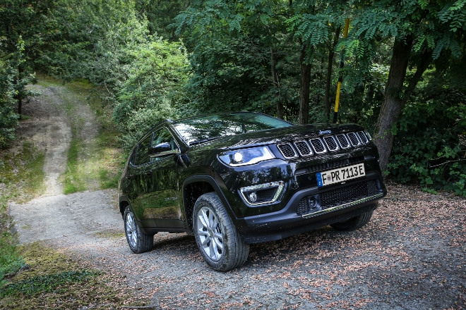 offroad Jeep Compass 4xe Plug in Hybrid