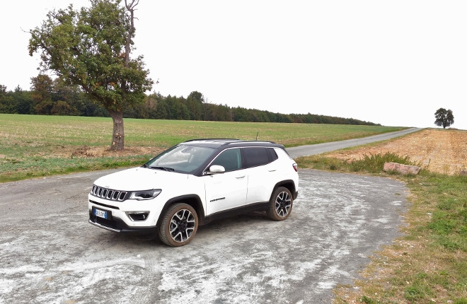 In weiss Jeep Compass 4xe Plug in Hybrid