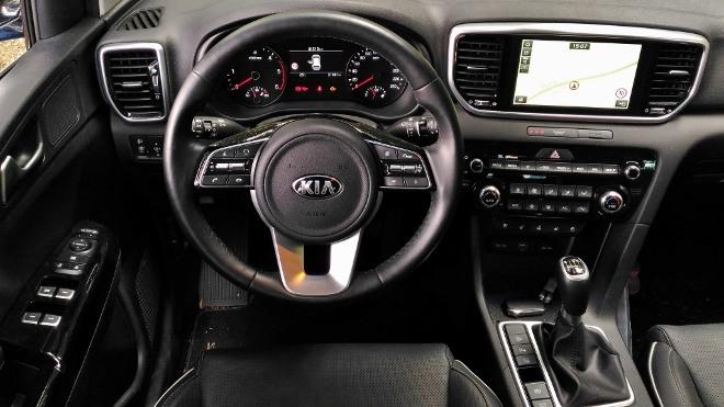 Kia Sportage Facelift Armaturenbrett, Bildschirm und Lenkrad