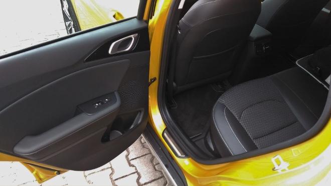 Kia Plug in Hybrid Test, Sitzbank hinten und Beinfreiheit