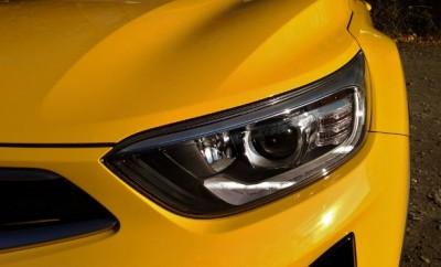 Kia Stonic Seite in Gelb, Scheinwerfer