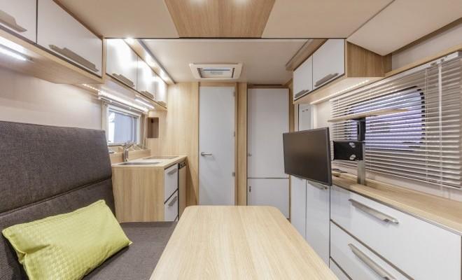 sch ner wohnen made in bavaria knaus und weinsberg 2018. Black Bedroom Furniture Sets. Home Design Ideas