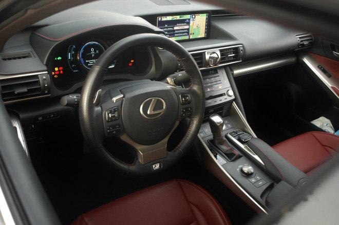 Lexus IS Sport Interior, Innenraum 2018