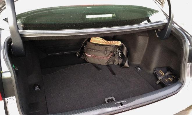 Lexus IS Sport Kofferraum Volumen, Größe