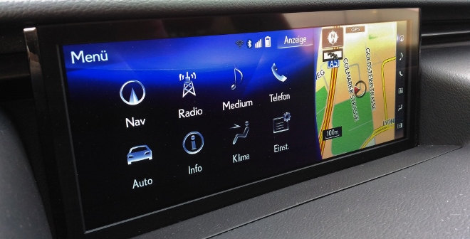 Lexus IS Sport Monitor 2018