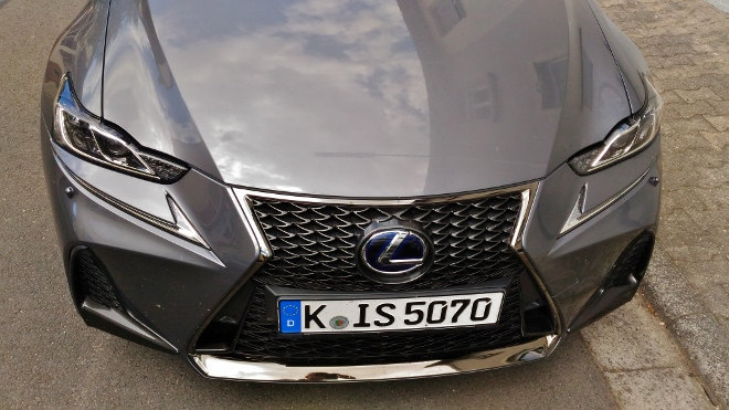 Lexus IS Sport Front Facelift 2018, Grill
