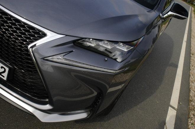 Lexus NX 300h Hybrid Grill