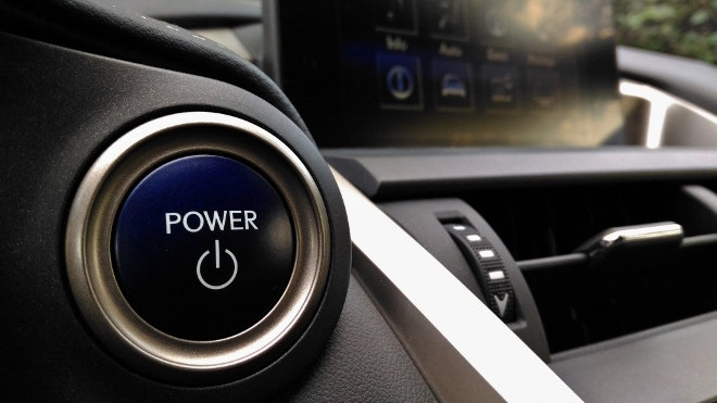Lexus NX 300h Hybrid Startknopf