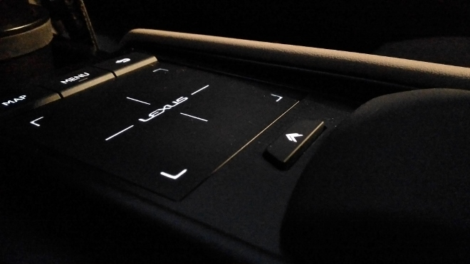 Bediensystem Touchpad Lexus ES Hybrid 300h