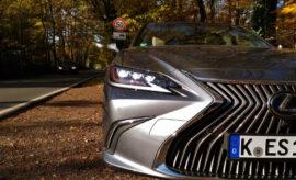 Lexus ES Hybrid 300h Grill