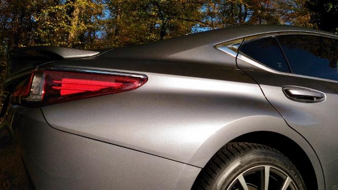 Heck Lexus ES Hybrid 300h