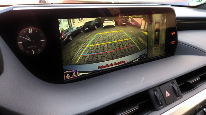 Kamera Lexus ES Hybrid 300h