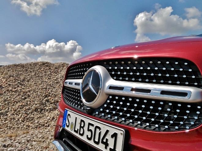 Mercedes GLB 220d Stern und Grill